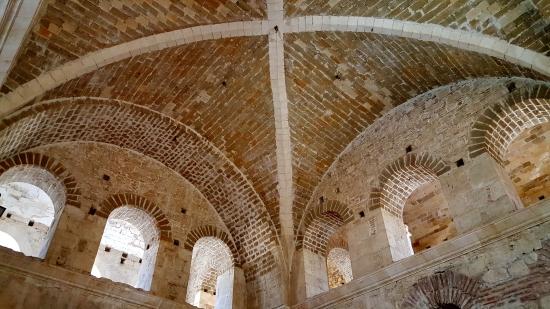 16)  L'Eglise St Nicolas de Myre 25.jpg