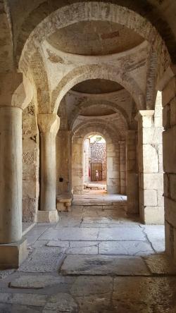 16)  L'Eglise St Nicolas de Myre 30.jpg