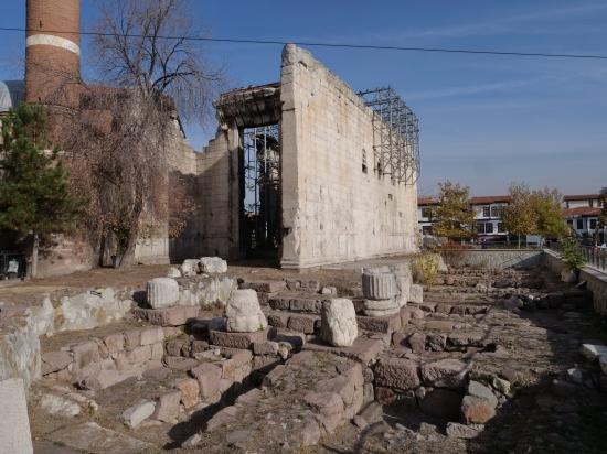 04) Le monument d'Ancyre 03.jpg